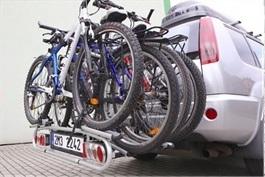 Piccola ZNK3+1 - nosič na tažné zařízení pro 4 jízdní kola