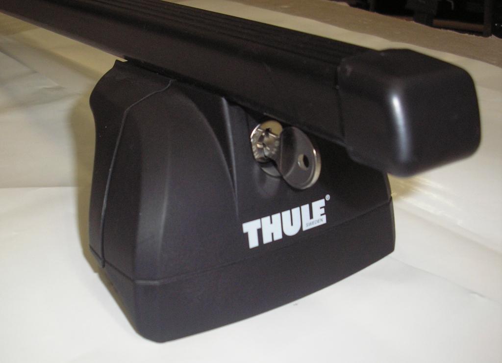 Střešní nosiče Thule 753+761+kit