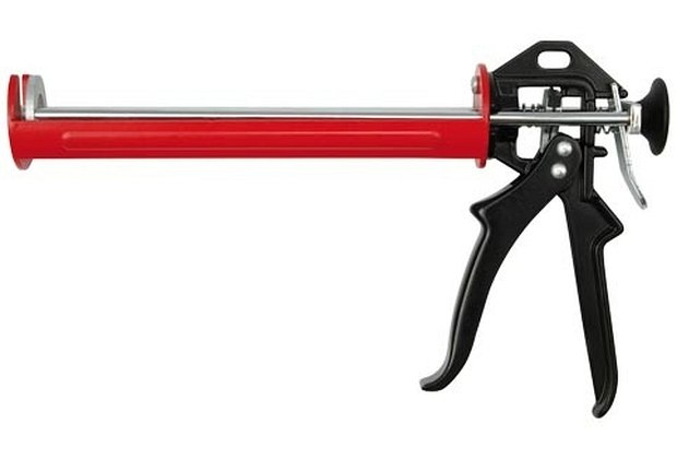 Compass Pistole na kartuše 225 mm