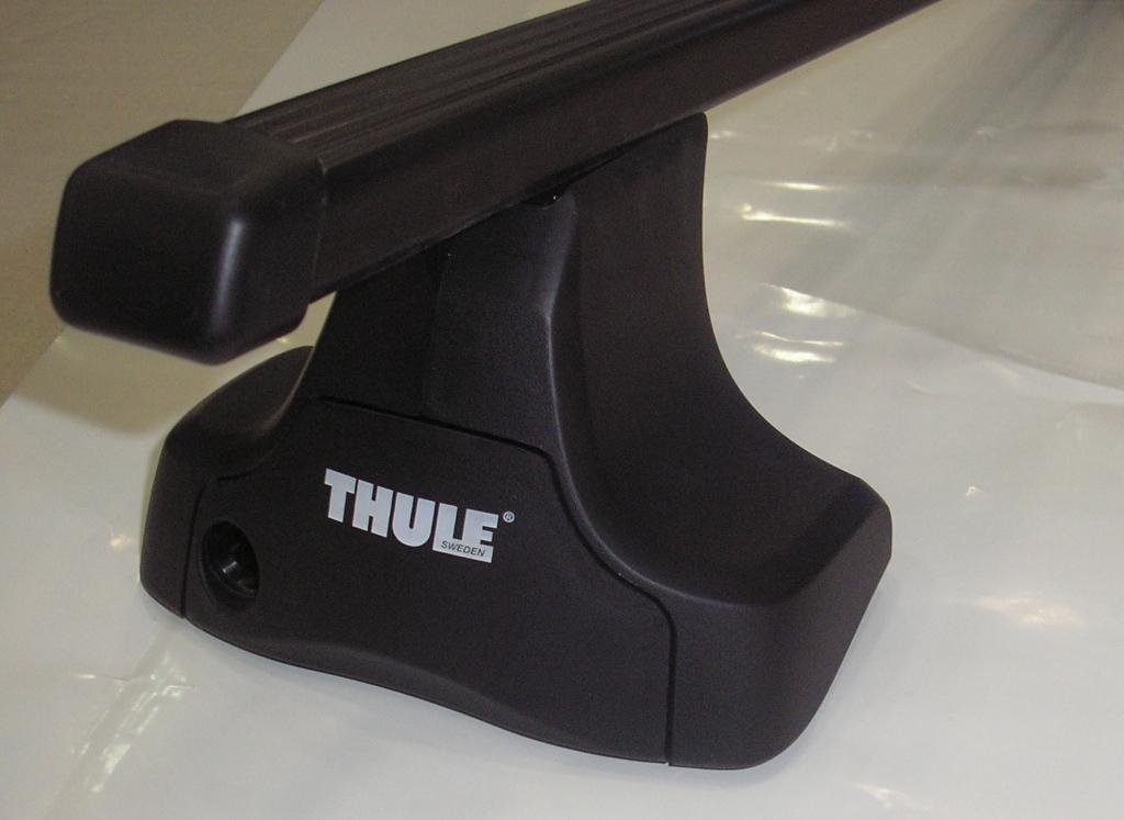 Střešní nosiče Thule 754+762+kit