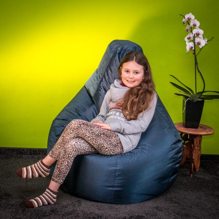 Omni Bag Game tmavě modrý - sedací pytel - hruška